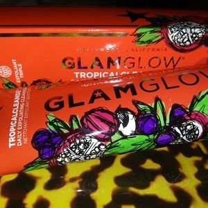Glamglow tropical cleanse daily exfoliating cleans